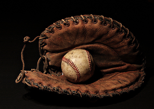 How to Choose the Right Baseball Glove