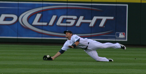7 Tips For Teaching Better Outfield Footwork To Kids