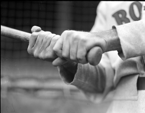 How to Grip a Baseball Bat.  Don't align your knuckles.